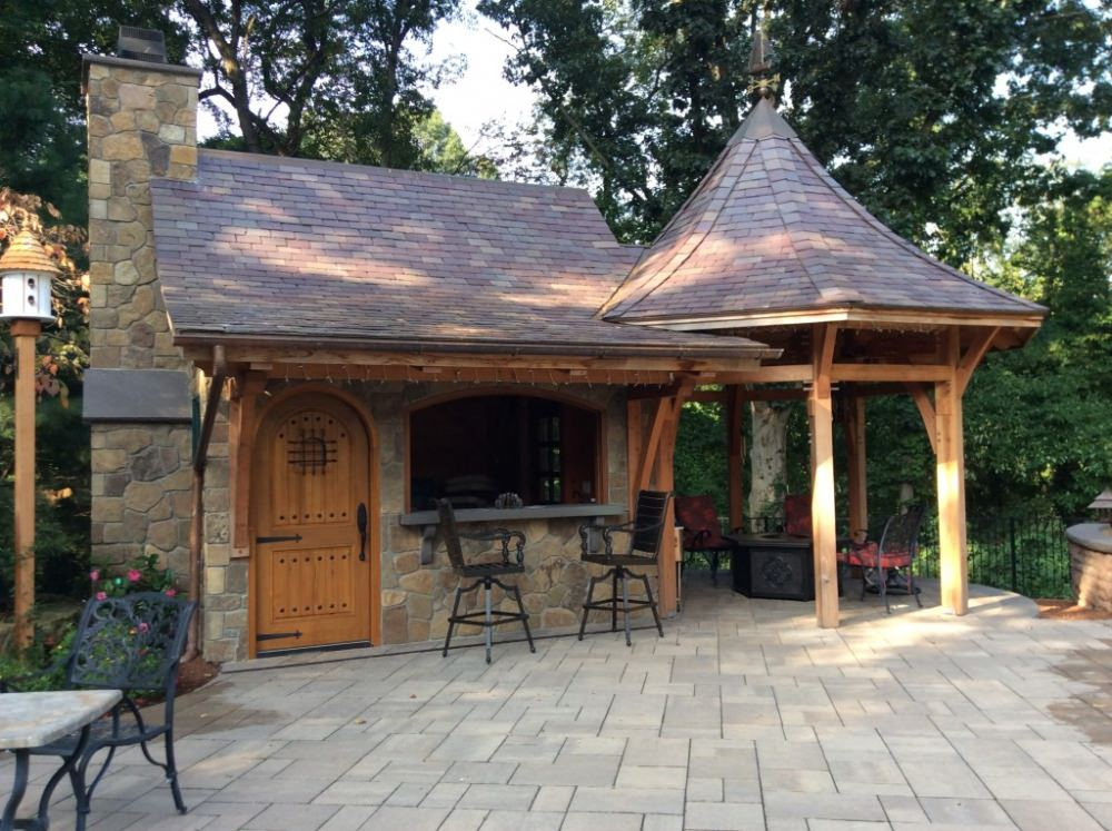 Outdoor Kitchen | Timberpeg Timber Frame | Post and Beam