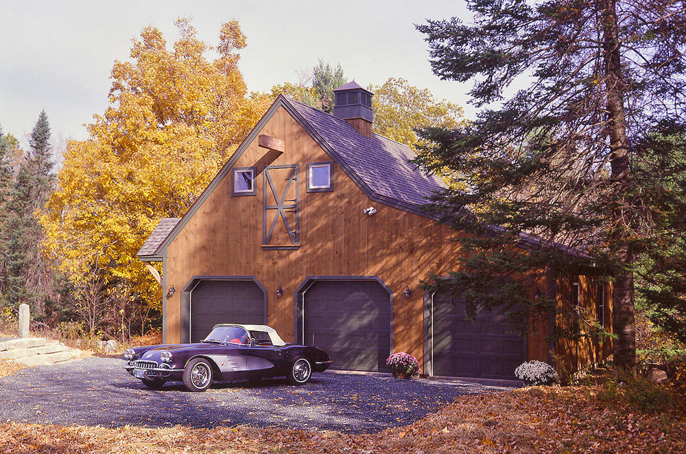 Carriage House Style Garage Barn